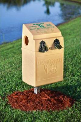 Dogipot Polyethylene Dogvalet with Mounting Post in Green or Beige