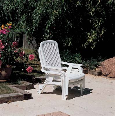 Bahia Stacking Deck Chair - Image 2