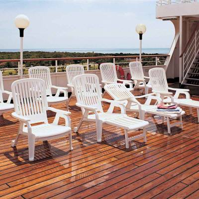 Bahia Stacking Deck Chair - Image 3