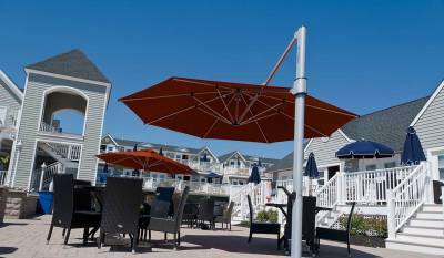 Frankford Eclipse 13 ft. Octagon Cantilever Umbrella - Image 2